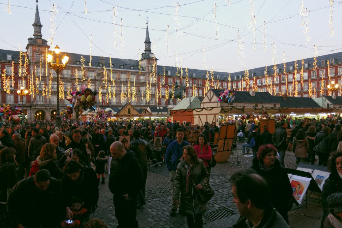 Mercatino di Natale, Madrid Plaza Major, Spagna.
