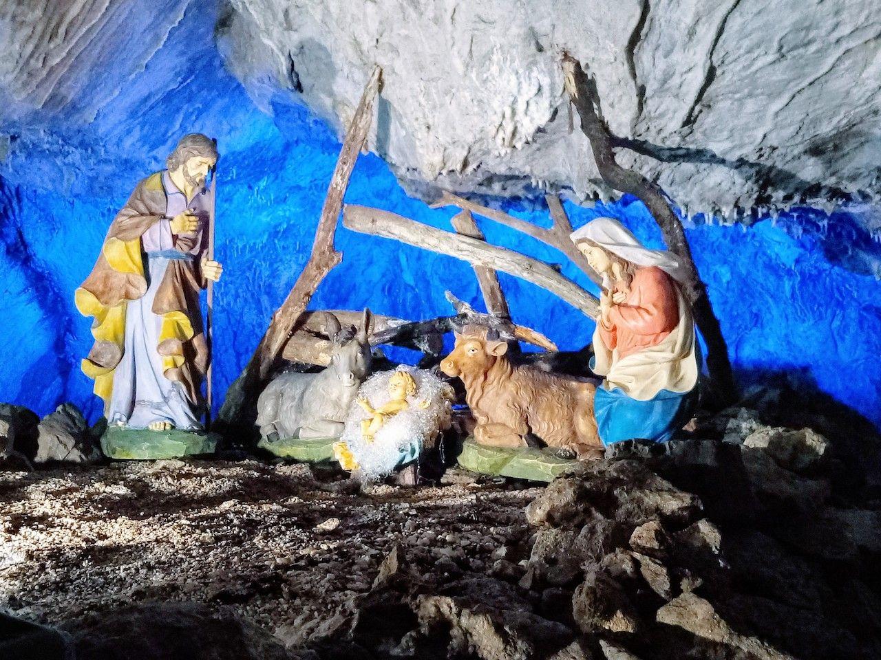 tradizioni-natalizie-presepe-grotta a Piè Lucese–Pescaglia