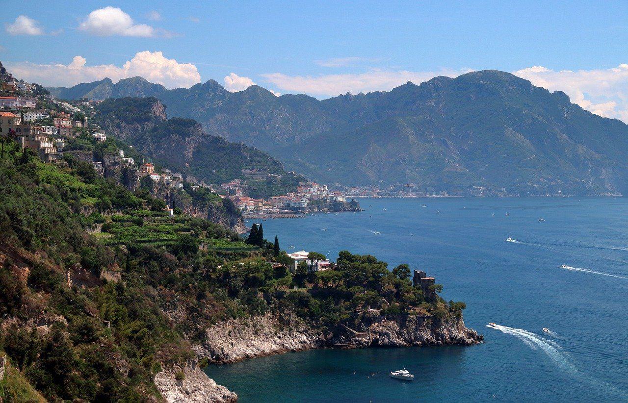 vacanze al mare costa degli dei campania italia